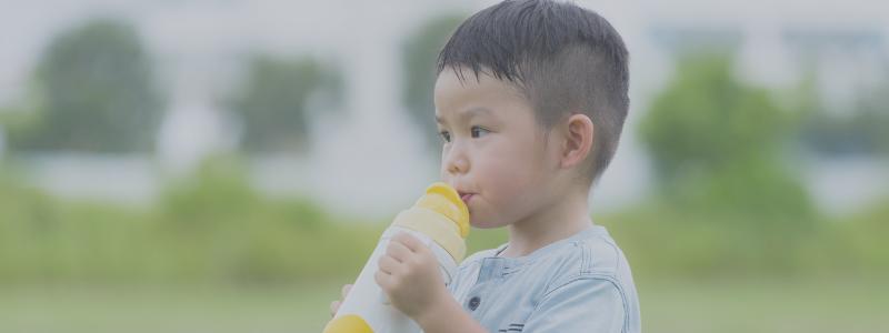 kids drink water at school